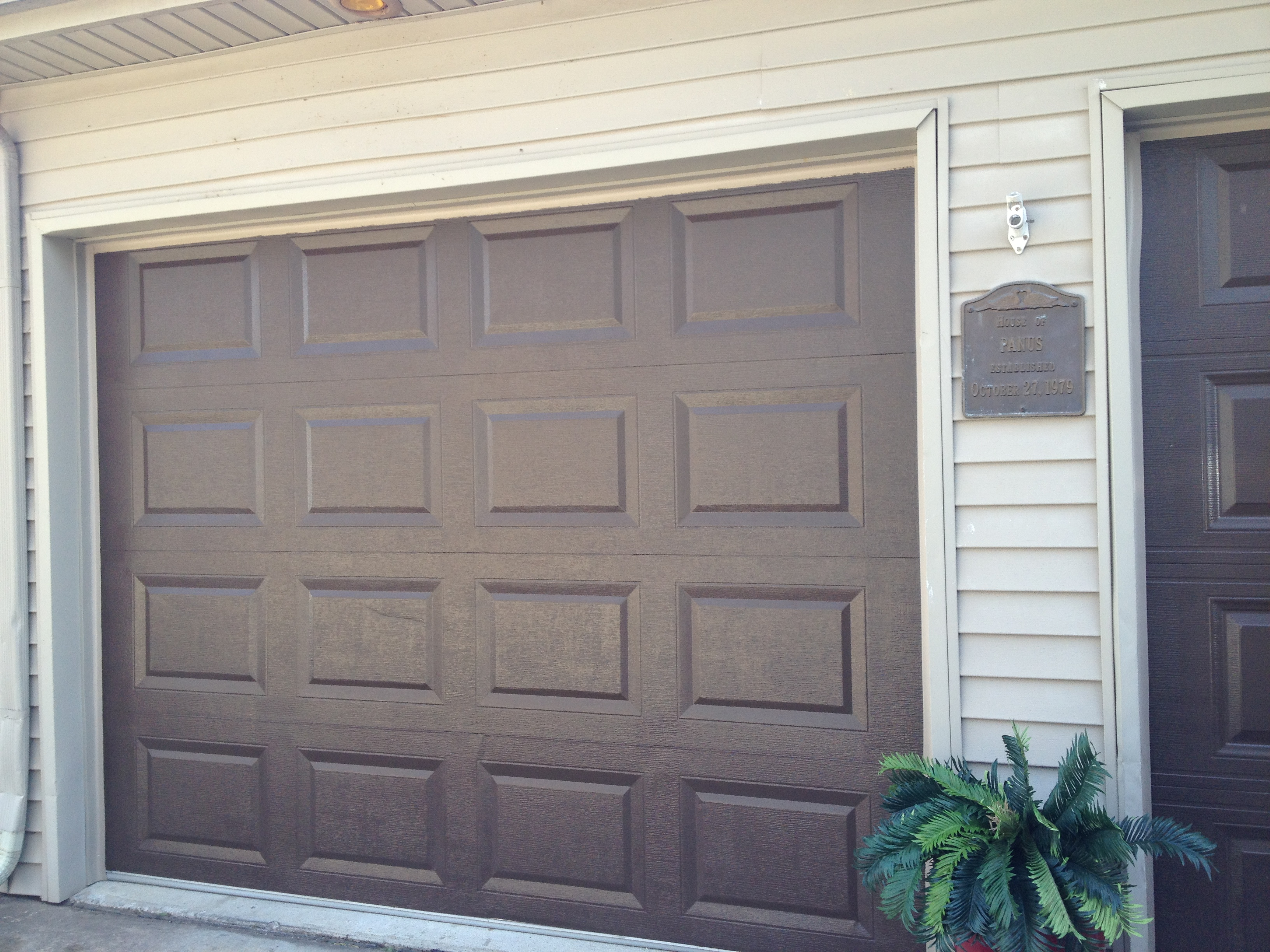 K l precision painting interior exterior painting advice from the pros for Exterior garage doors